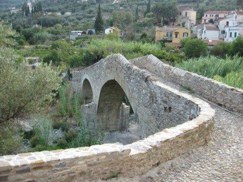 Ponte romanico di Clavi (IM)